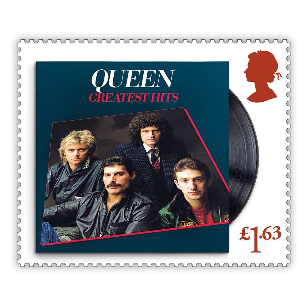 Sello con la portada del disco de Queen 'Greatest Hits'.