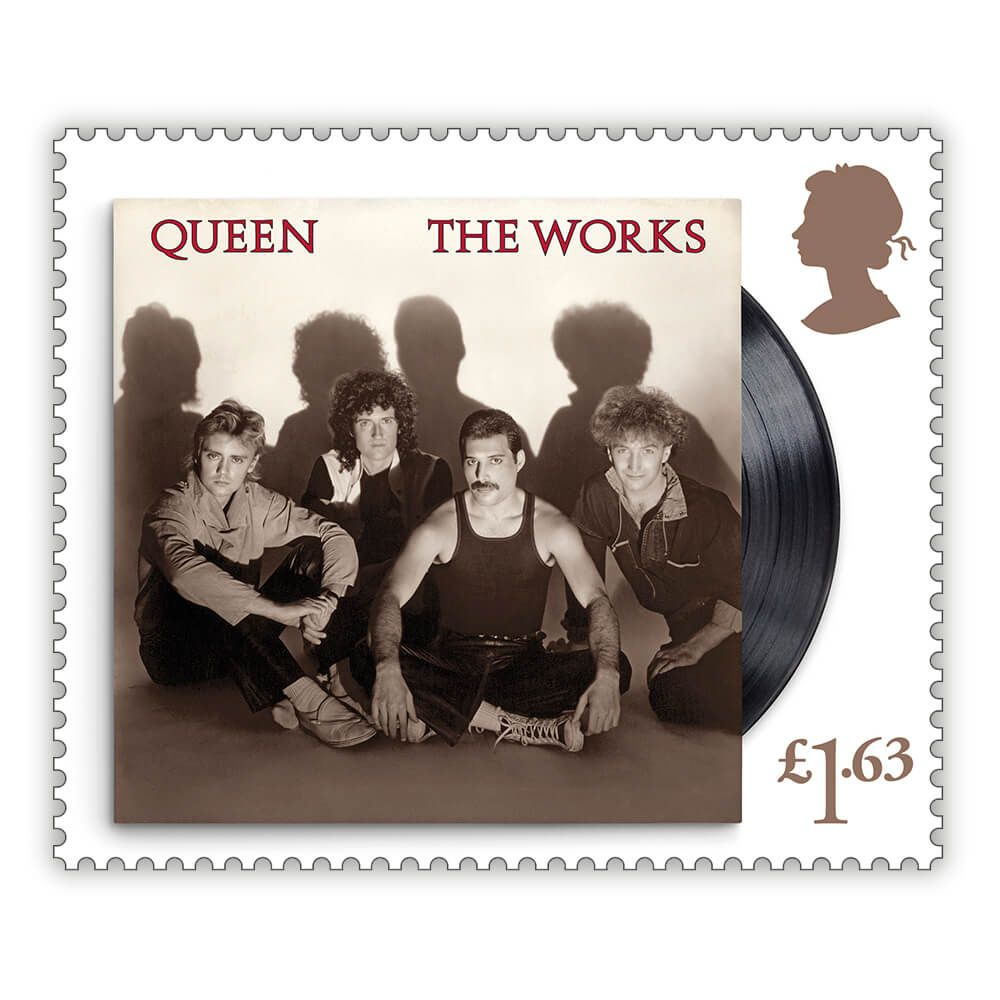 Sello con la portada del disco de Queen 'The Works'.